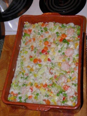 Add shrimp (prawn) and scallops