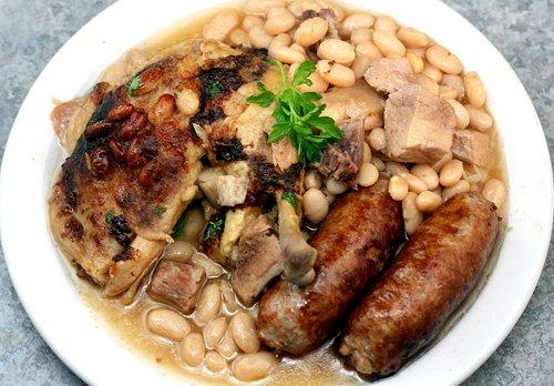 Cook the cassoulet