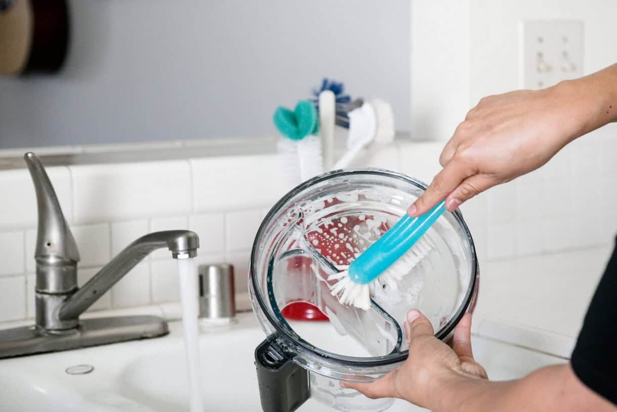 Cleaning a food processor