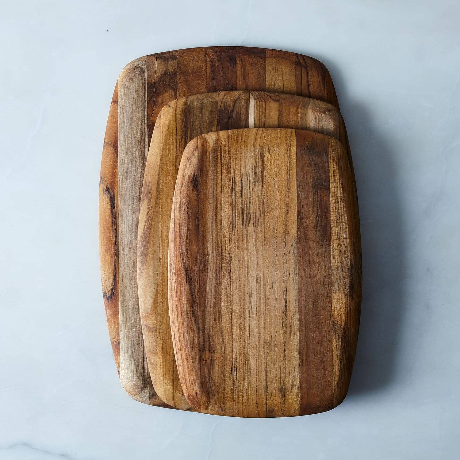 Different size cutting boards