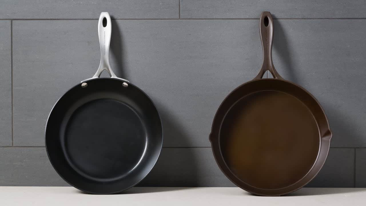 Cast iron vs carbon steel pans