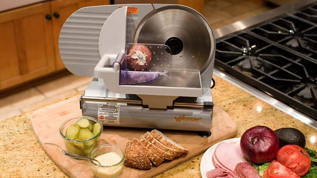 Making a sandwich with the best meat slicer