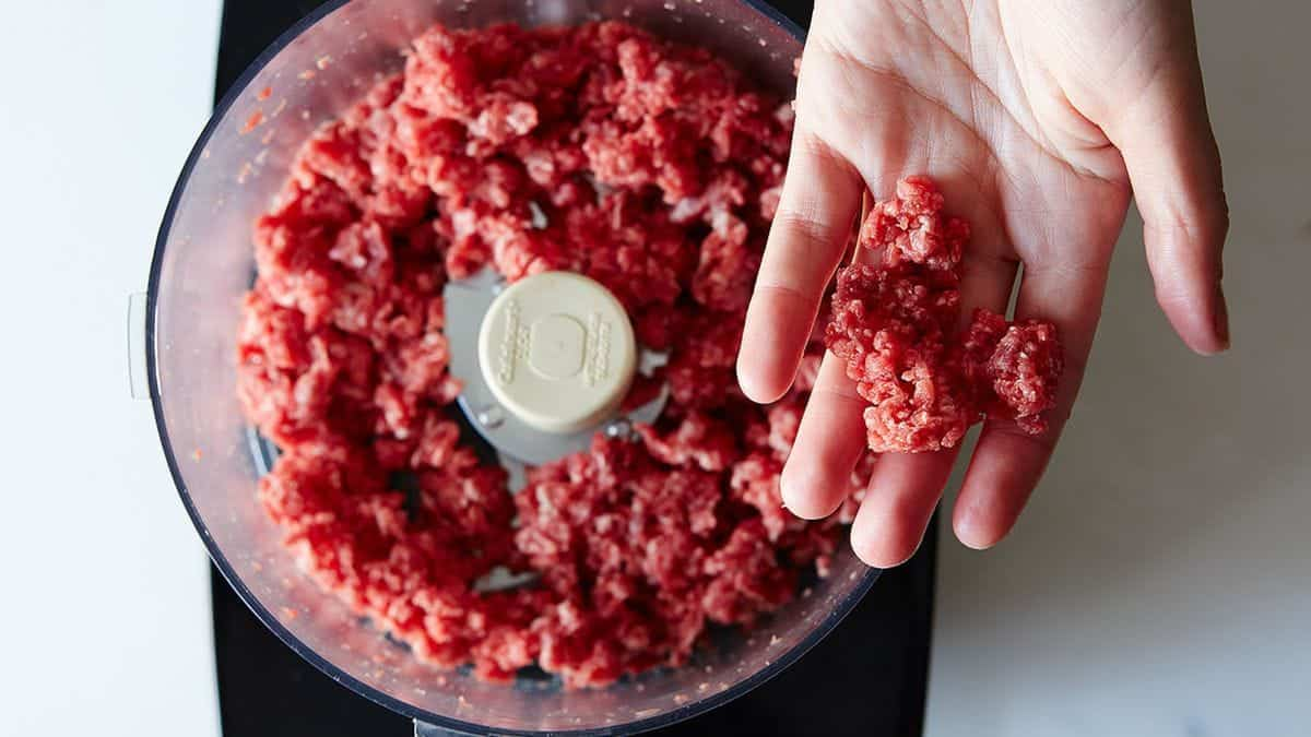 Making minced meat in food processor