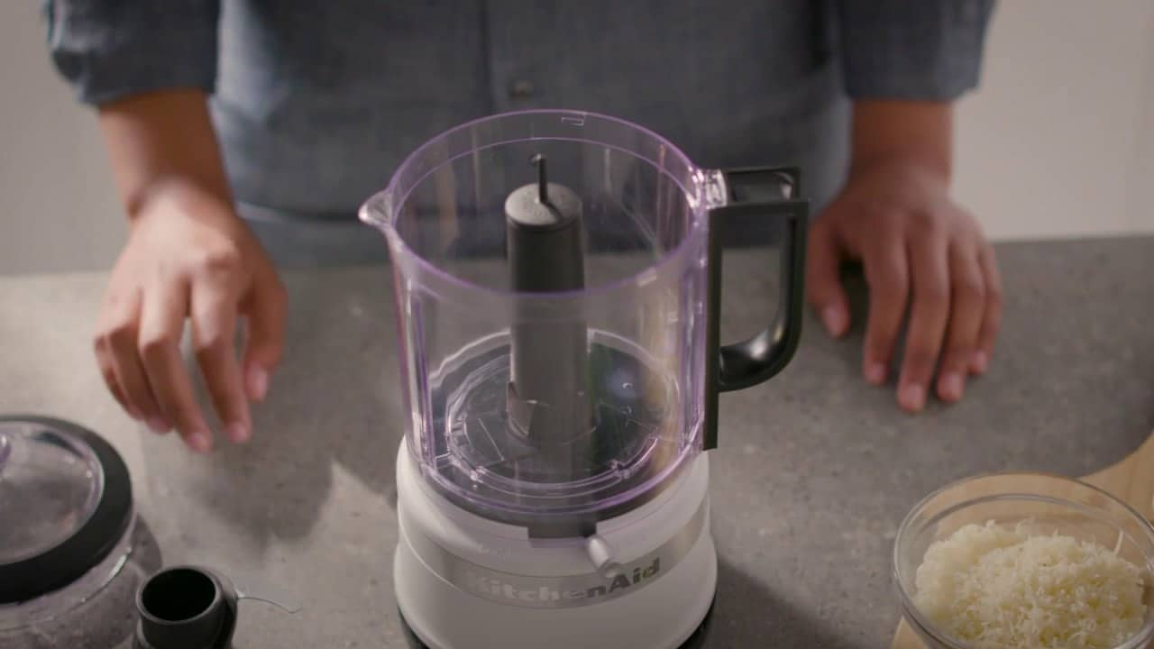 Putting bowl in food processor