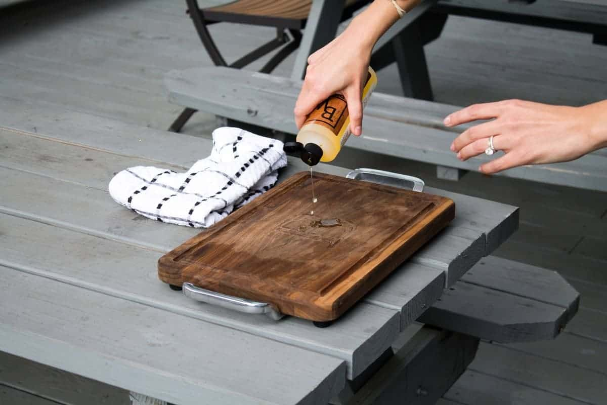 How to Oil a Cutting Board