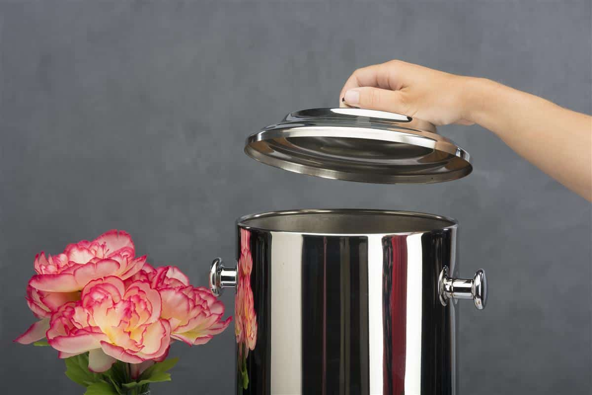 How to clean a coffee urn