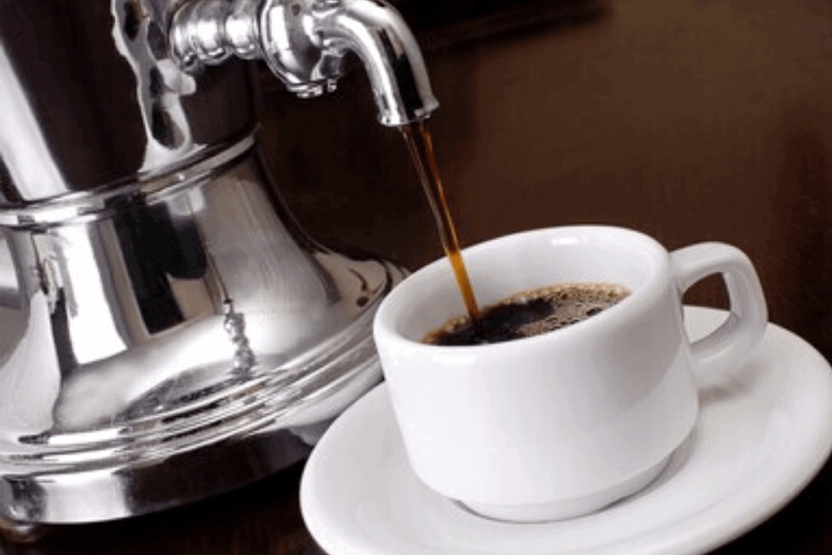 How to use a coffee urn