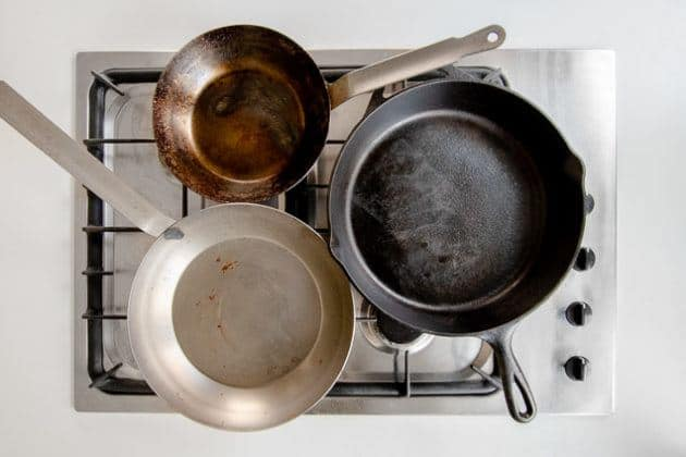 How to clean carbon steel pan sets