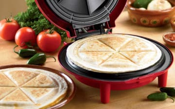 How to use a quesadilla maker