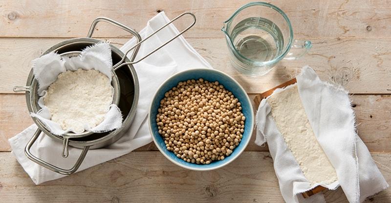 Ingredients to make tofu