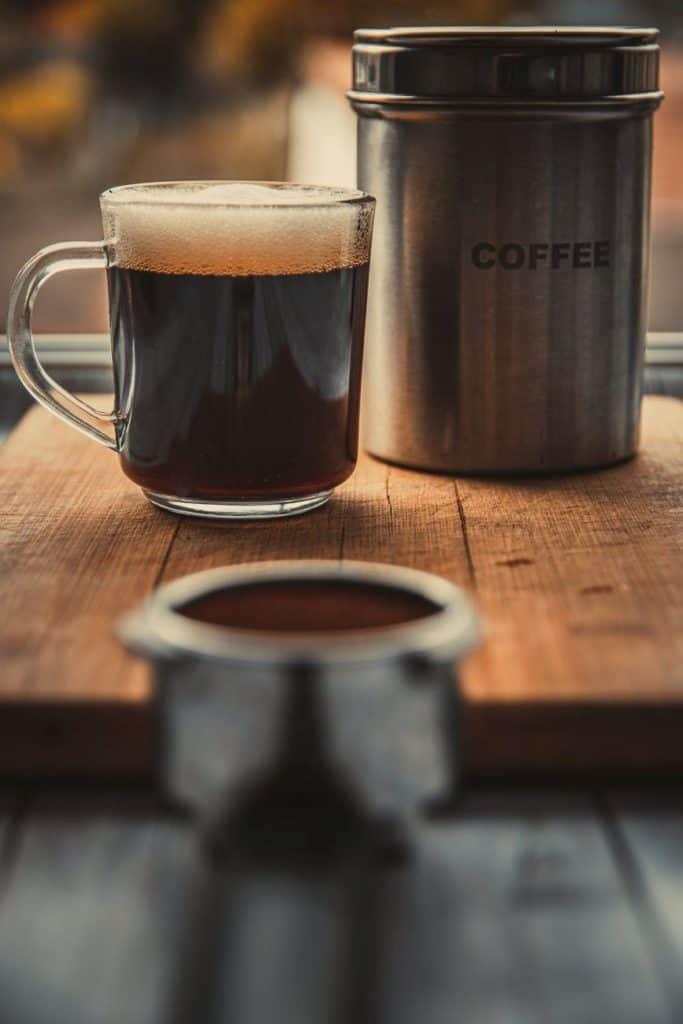 What does dark roast coffee taste like